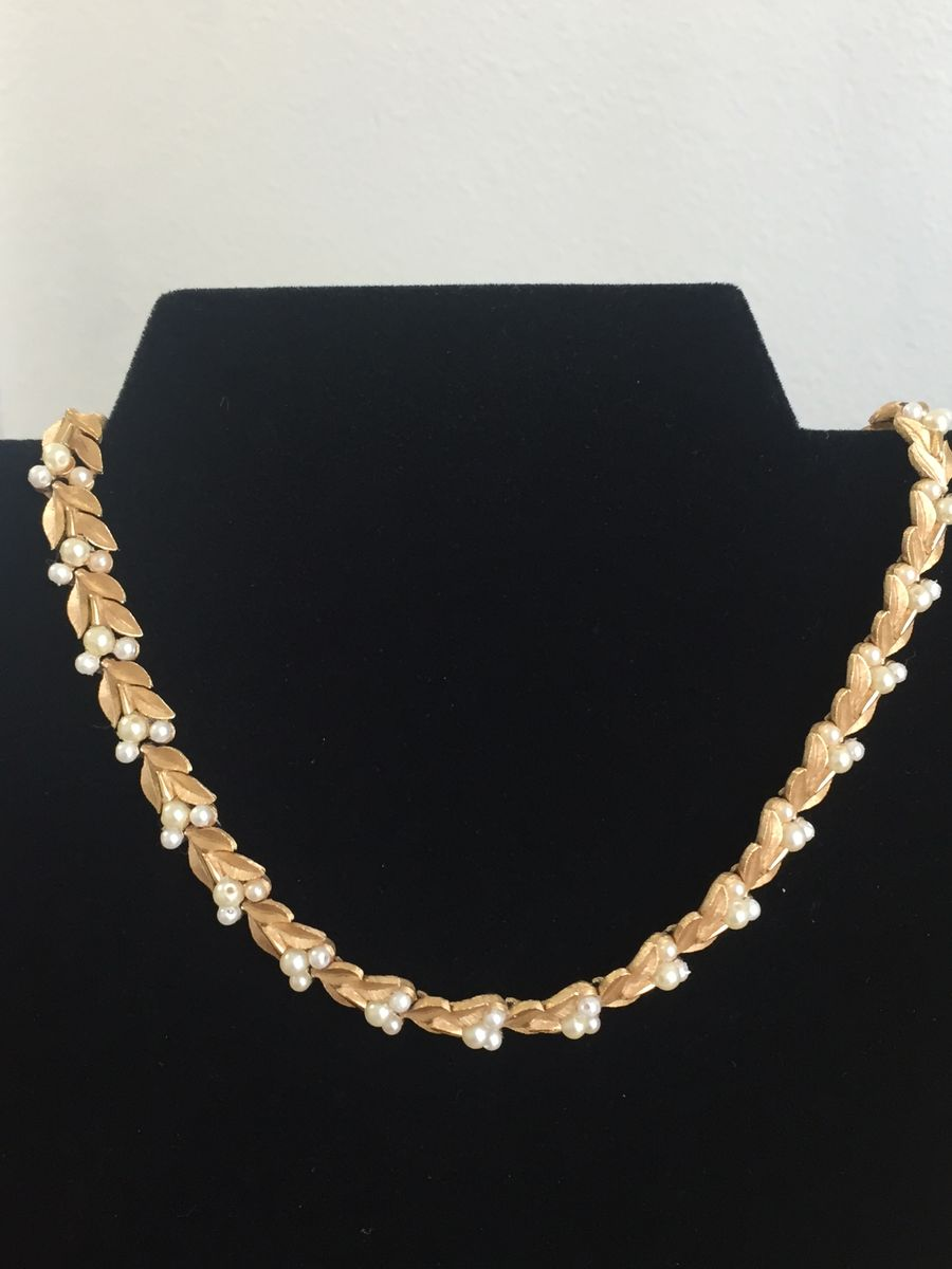 Trifari gold tone leaves and pearls choker necklace - product image