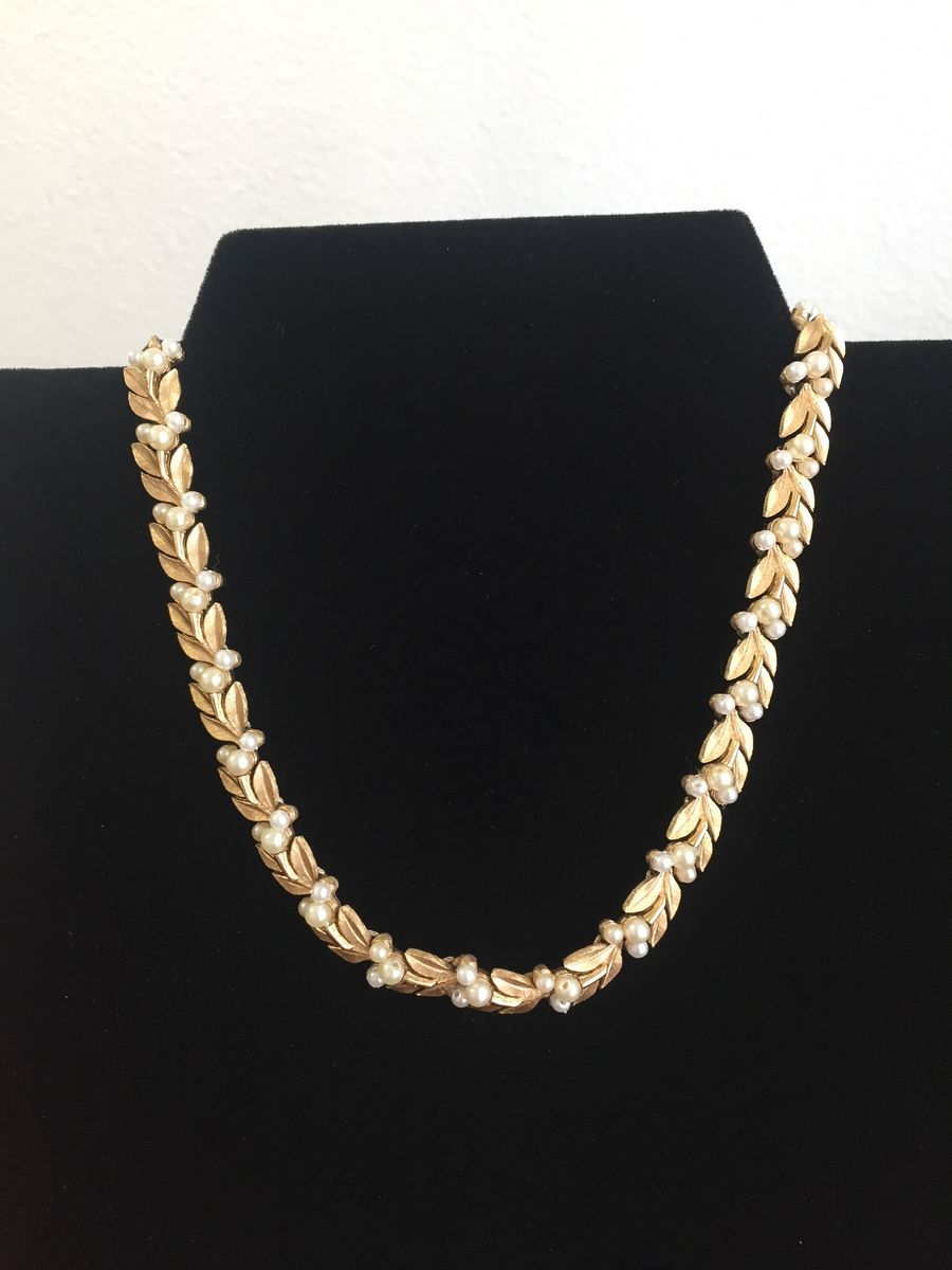 Trifari gold tone leaves and pearls choker necklace - product images  of