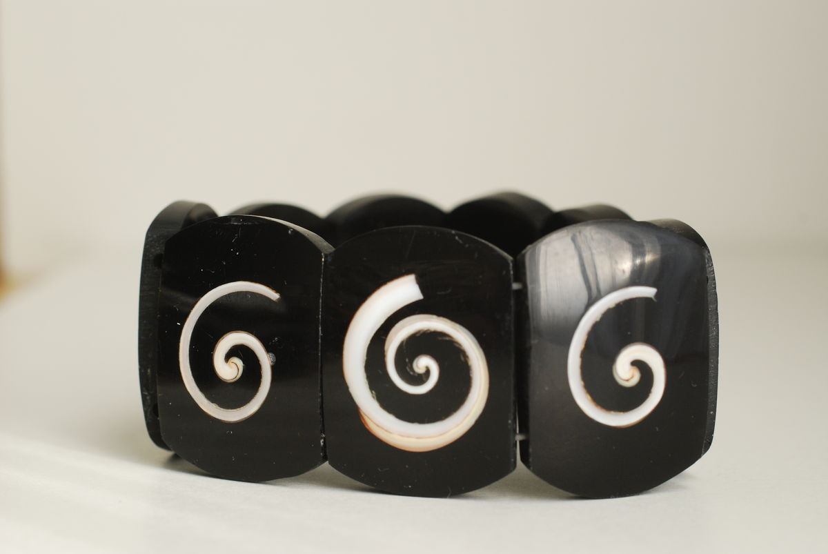 Vintage Stretch Bracelet Black with Inlaid Shell - product images  of