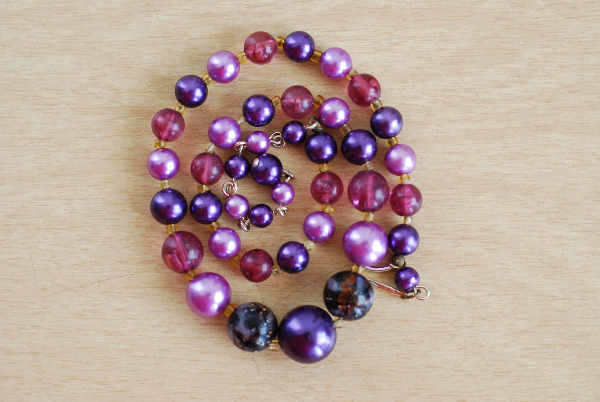 Vintage Purple Beaded Necklace 1950's, 1960's - product images  of