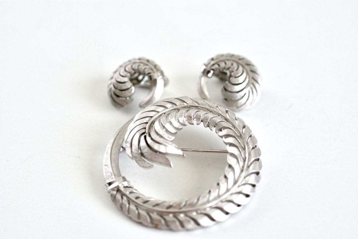 Brooch and Earrings Set Brushed Silver Fern, Trifari - product image