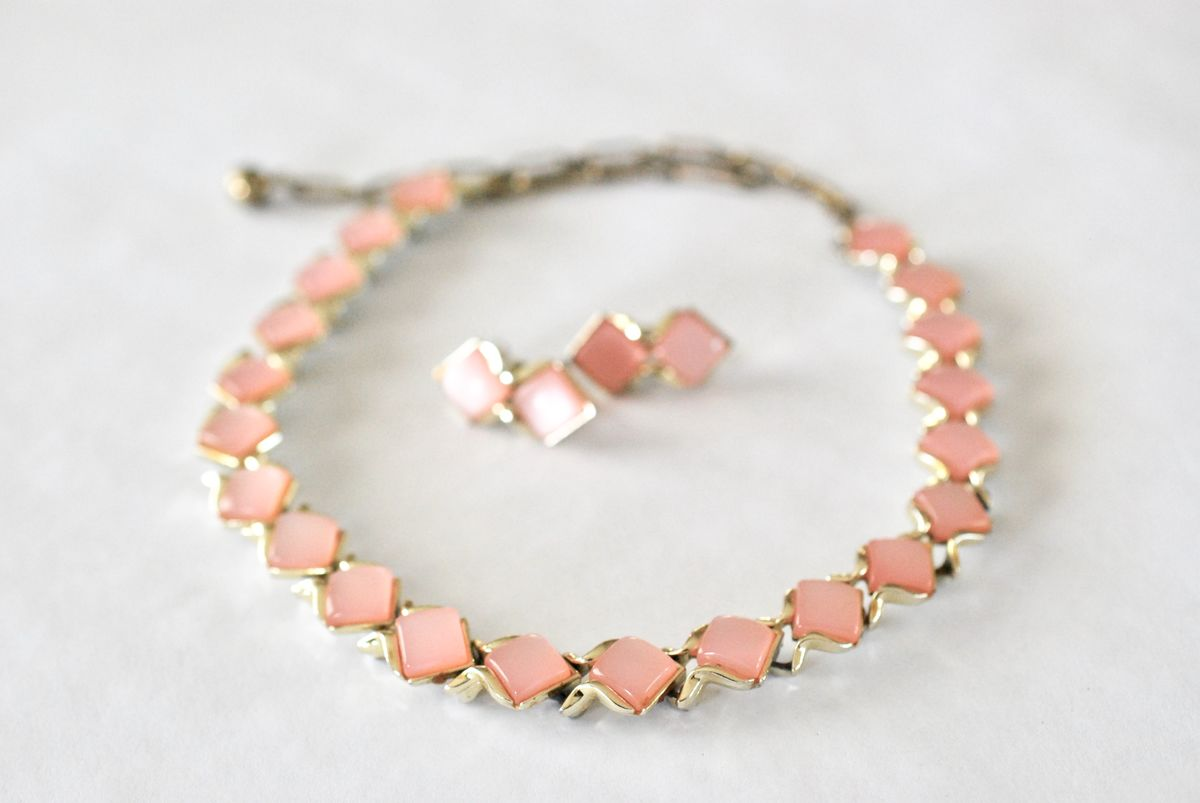 Coro Pink Thermoset Moonglow Choker and Earrings - product image