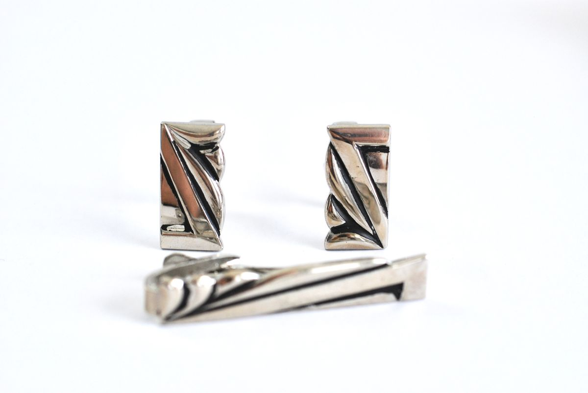Vintage Cufflinks and Tie Clasp Set Art Deco Look Chrome Plated - product image