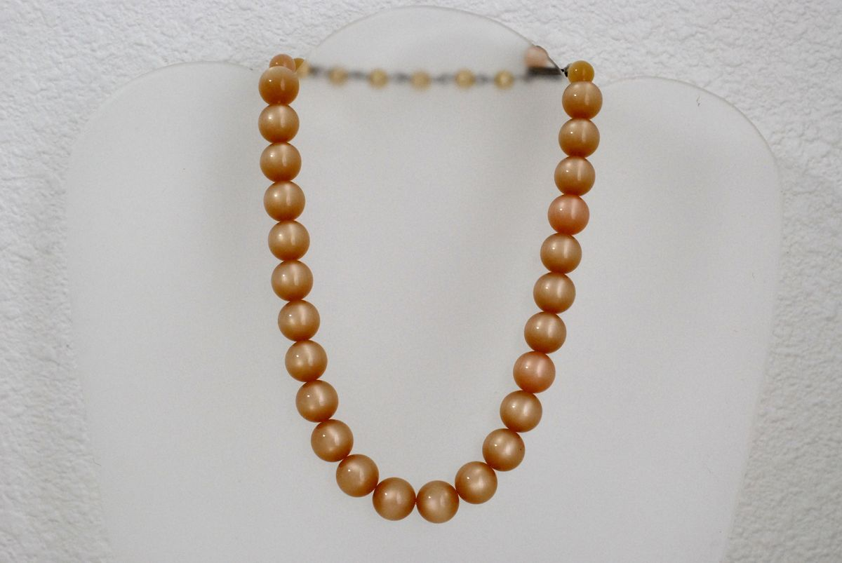 Vintage Peach Moonglow Thermoset Bead Choker Necklace - product image