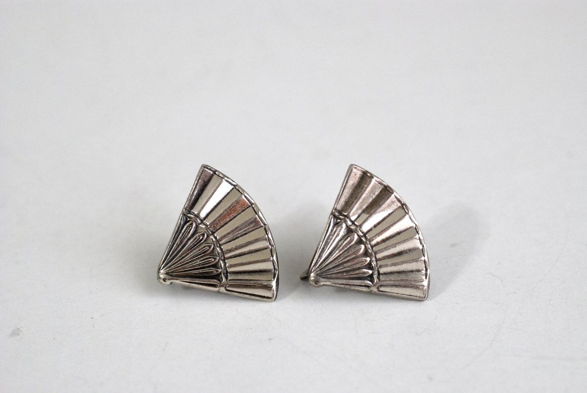 Sterling Silver Fan Earrings Screw Back Antique Jewelry - product images  of