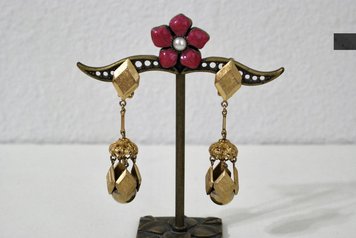 Vintage Dangle Earrings Geometric Gold Tone Clip Ons - product image