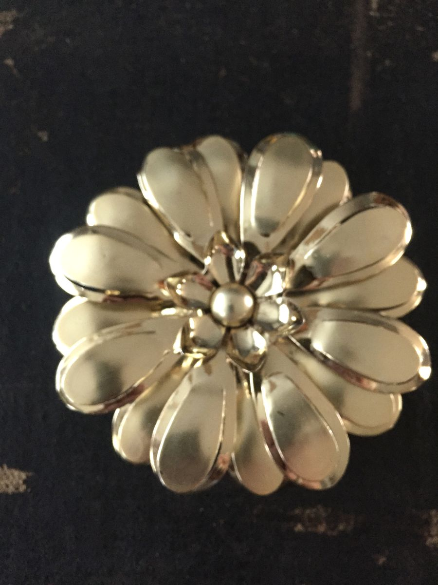 Vintage Large Gold Tone Metal Flower Brooch  - product image