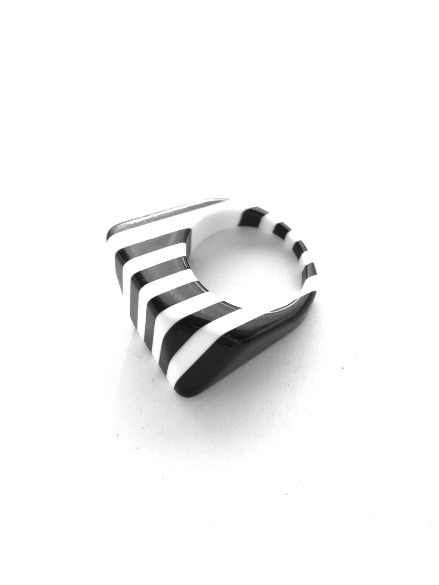 Black and White Geometric Striped Lucite Ring size 9 - product images  of