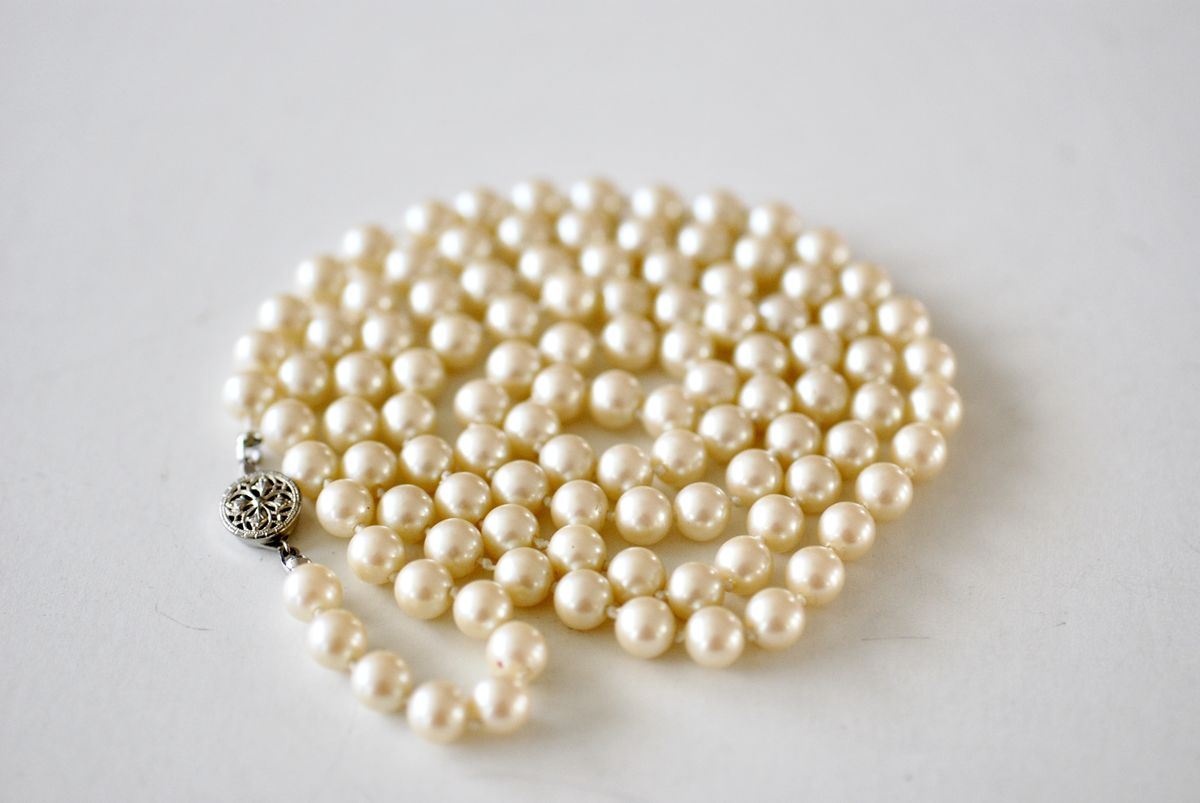 Vintage Faux Single Strand Pearls 32