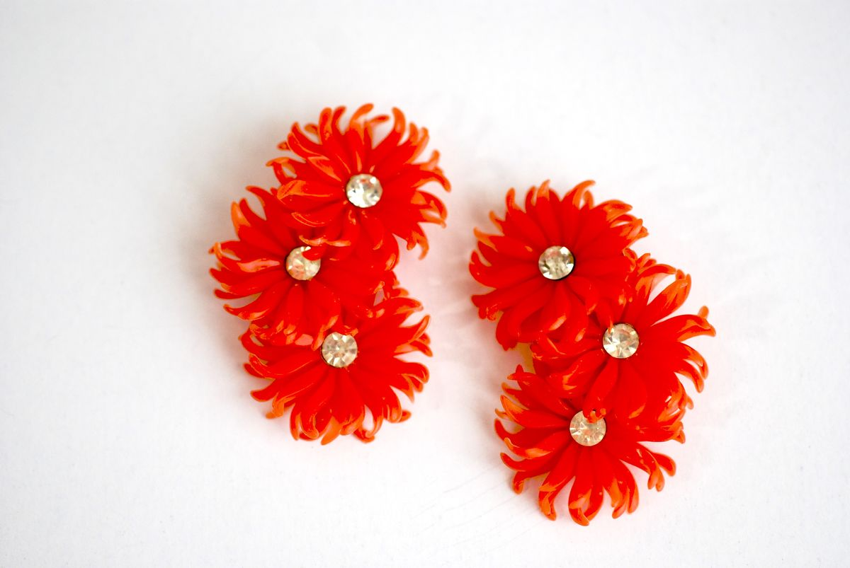 Vintage 1950's Soft Plastic Earrings Orange Clip-ons - product images  of