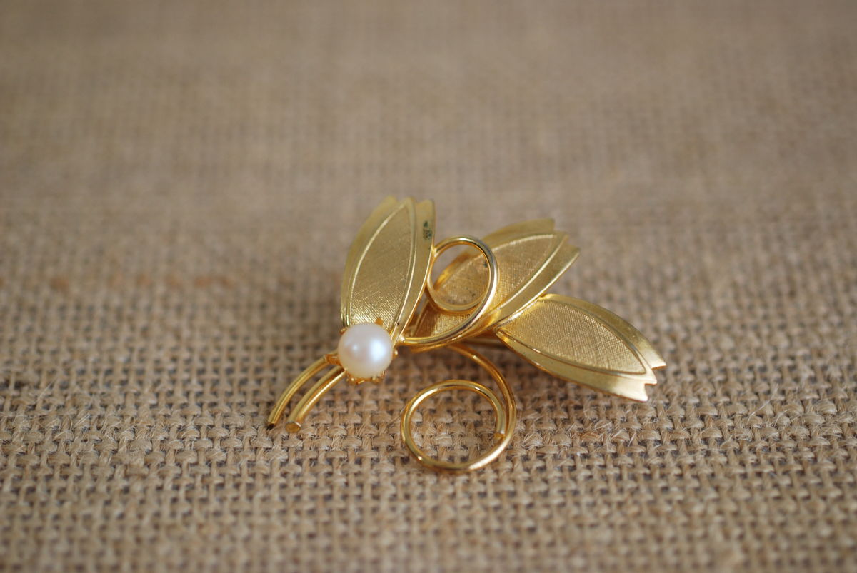 Gold Tone Vintage Brooch Leaves with Single Pearl - product images  of