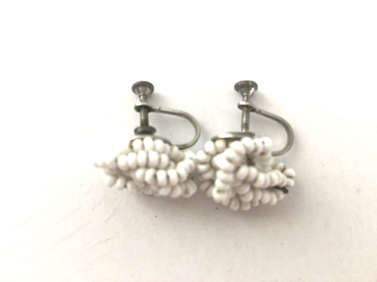 Vintage 1950's White Seed Bead Earrings Screw Back - product images  of