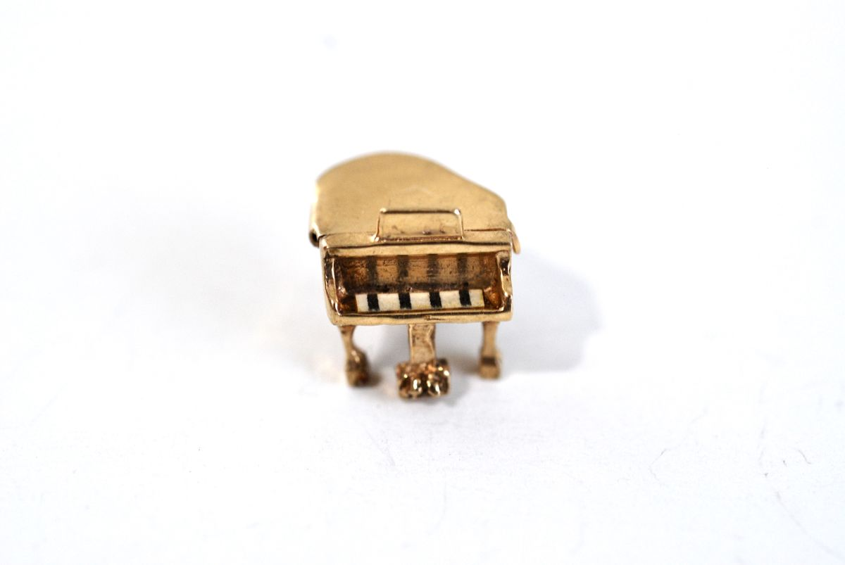 Vintage Gold Vermeil Charm Hinged Grand Piano - product image