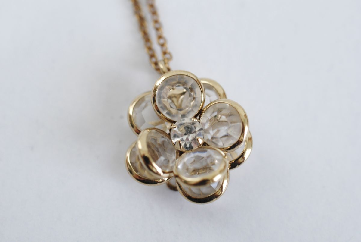 Vintage Crystal Flower Pendant Necklace Gold Plated - product images  of