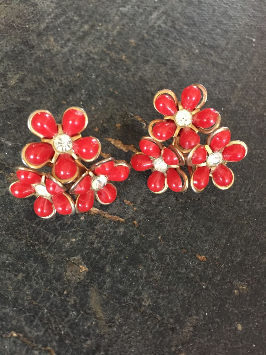 Vintage 1950s Multiple Flower Earrings in Red w/Rhinestone Center - product image