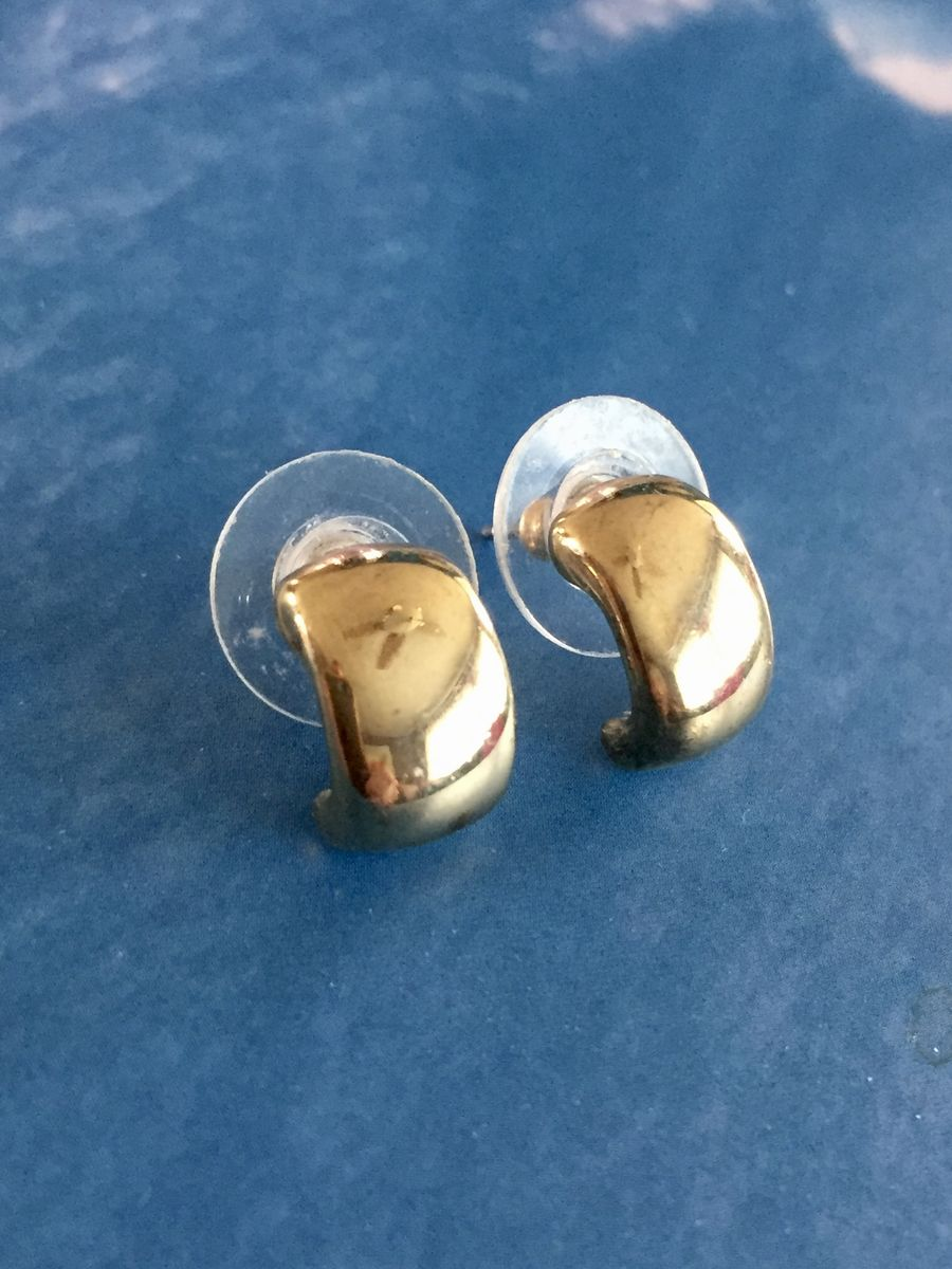 Vintage Curve Shaped Rhinestone Clip On Earrings....Gold Tone Metal...Abstract Shape