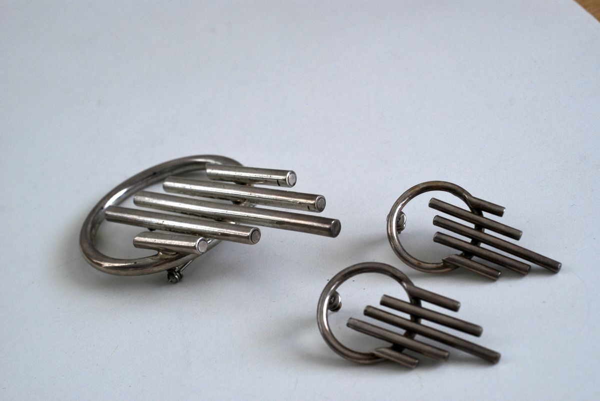 Modernist Geometric Brooch and Earrings Set 1990s - product images  of