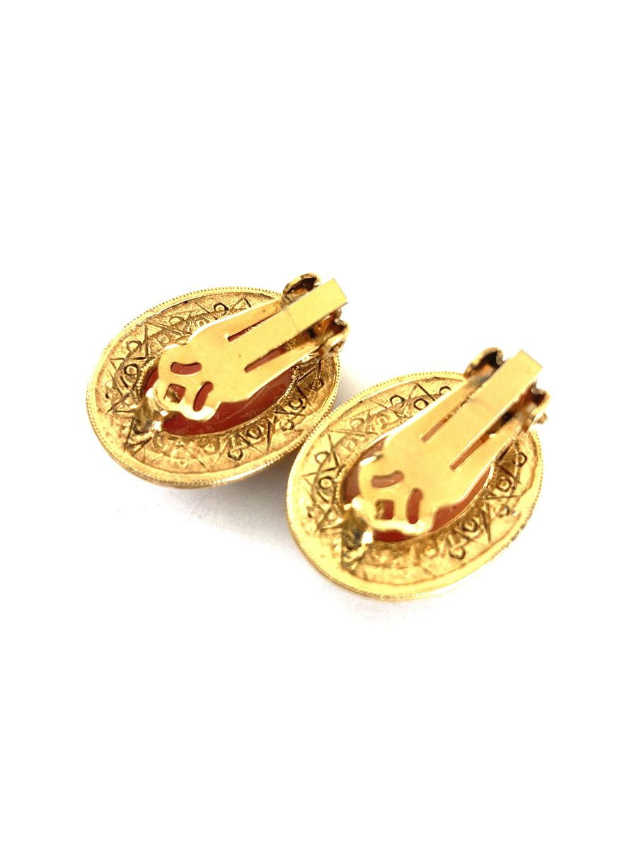 Cameo Earrings Faux Shell Gold Tone Clip Ons - product images  of