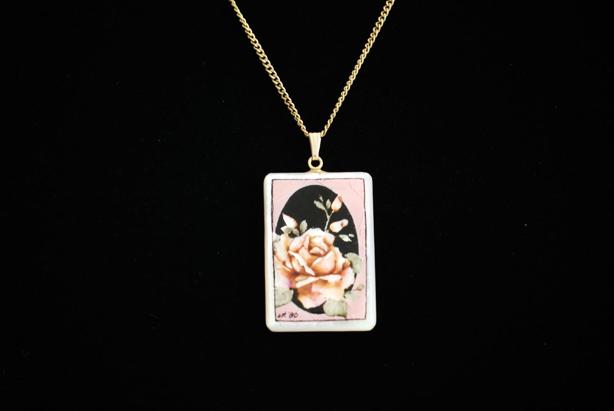 Hand Painted Hawaiian Mother of Pearl Pendant Necklace - product images  of