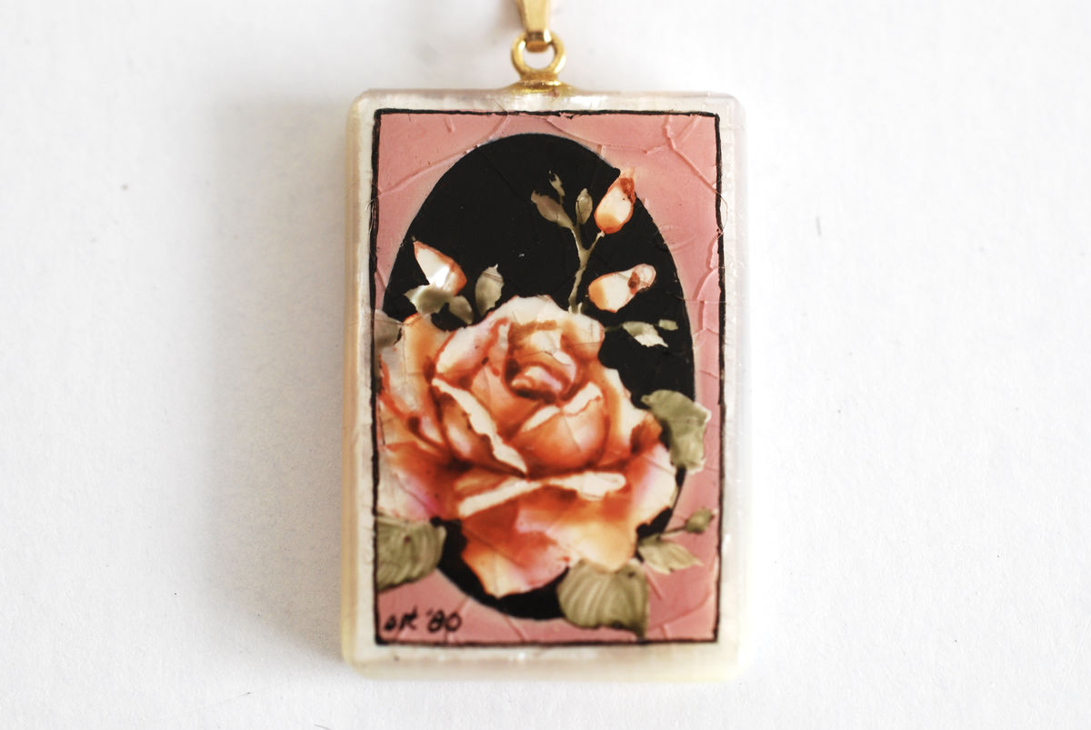 Hand Painted Hawaiian Mother of Pearl Pendant Necklace - product image