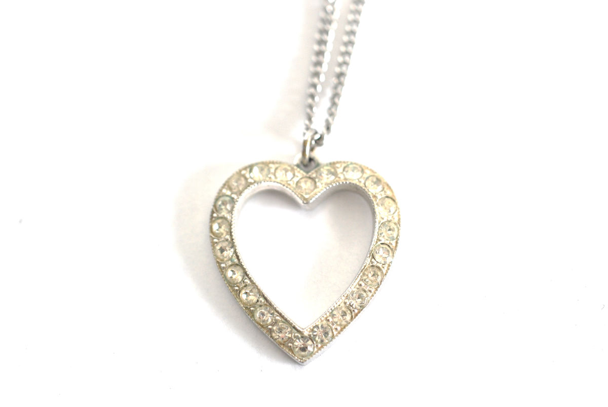 Vintage 1950s Clear Rhinestone and Rhodium Heart Pendant Necklace - product image