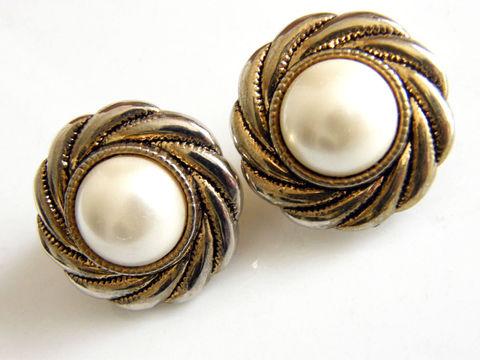Vintage Clip Earrings Hurricane Swirl Frame White