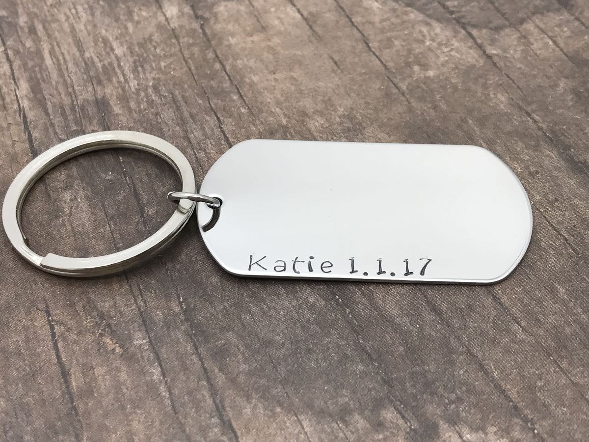 Single Dogtag keychain Customized with name and date, boyfriend dog tag gift - product images  of