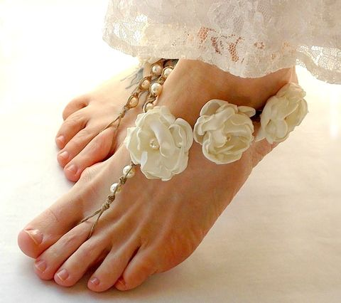 Beach,wedding,barefoot,jewelry,,ivory,flower,beach,sandals,flower-sandals, barefoot-sandals, barefoot-jewelry, foot-jewelry, ivory, beach-wedding-sandals, hemp-barefoot-sandals, bride-barefoot-sandals