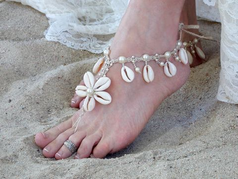 Handmade,Hemp,Barefoot,Sandals,with,Cowrie,Shell,Flowers,handmade-sandals, barefoot-sandals, barefoot-sandal, honeymoon-resort, beach-wear, poolside-shoes, sandals-for-beach, seashell-sandals, seashell-jewelry, toe-thong, surfer-jewelry, sexy-beach-wear, destination-wedding, wedding-foot-jewelry, bridal-ankley