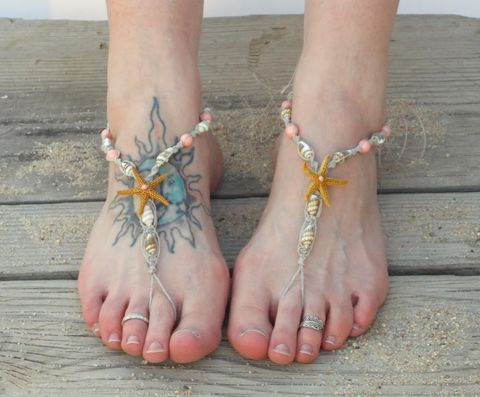 Beach,Medley,barefoot,sandals,with,seashells,,starfish,&,pearls,beach-barefoot-sandals, seashell-sandals, starfish-foot-jewelry, foot-jewelry, beach-wedding-anklet, barefoot-sandals, starfish-jewelry, budget-wedding-sandals, budget-bride-shoes, cheap-barefoot-sandals