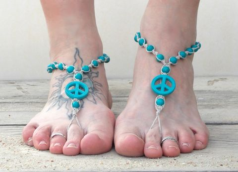 Peace,sign,barefoot,sandals,with,natural,hemp,peace-sandals, peace-jewelry, hemp-foot-jewelry, barefoot-sandals, beach-footwear, hippie-shoes, barefooter-sandals, barefooter-movement