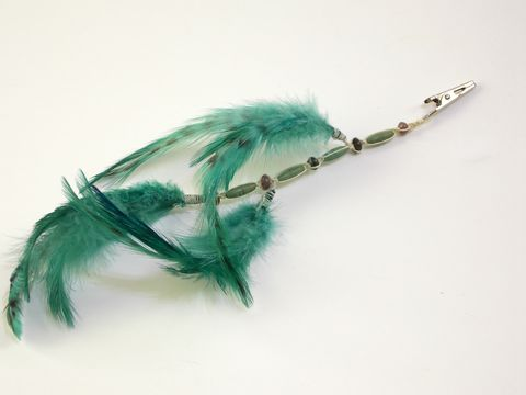 Green,feather,roach,clip,-,beaded,hemp,festival-roach-clip, clip-in-hair-feathers, feather-roach-clip, green-feather-roach-clip, feather-hair-clip, hair-feather-extensions