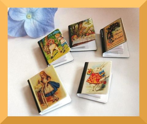 Miniature,Book,Magnets,book, magnet, miniature book, miniature, literature, refrigerator magnet, fridge magnet, library, authors, writers