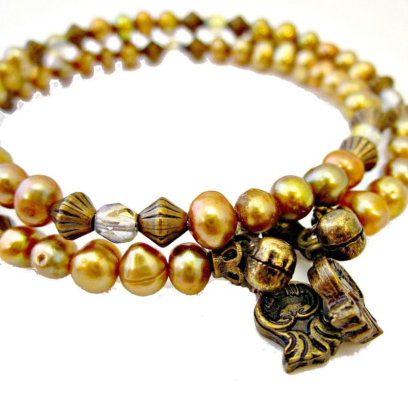 Beaded Adjustable Memory Wire Bracelet with Gold Pearls and Glass: Concubine - product images  of