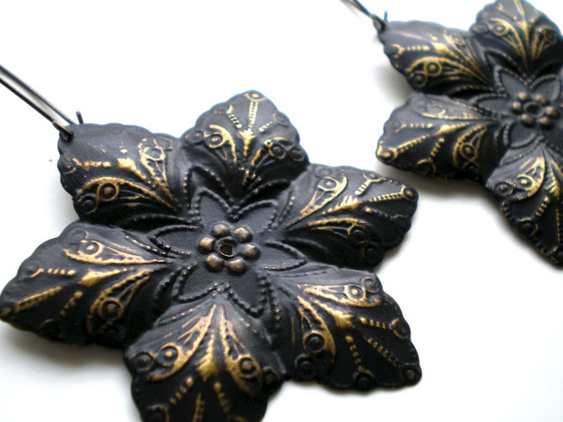 Black Brass Hand Painted Filigree Flower Earrings Women's Fashion Jewelry - product images  of