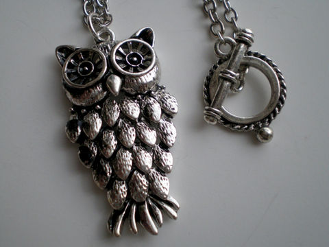 Silver,Owl,Wisdom,Animal,Pendant,Chain,Necklace,Jewelry,Metal,pendant_necklace,owl_necklace,silver_necklace,animal_necklace,wild_life_necklace,woodland,statement_necklace,wisdom_necklace,woodland_necklace,animal_lover,nature_necklace,under_25,expressionsbycheree,pendant,chain,toggle clasp,silv