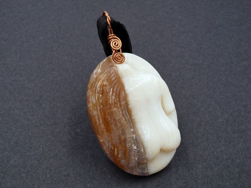 Agate Goddess carved necklace - product image