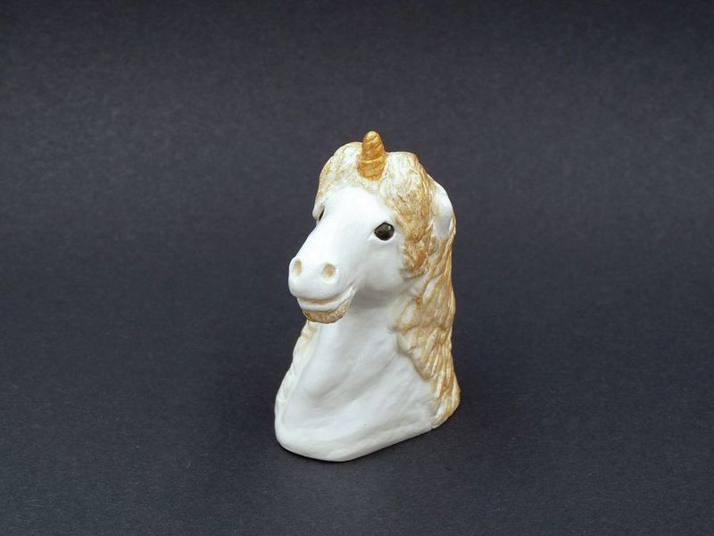 Unicorn statue - product image