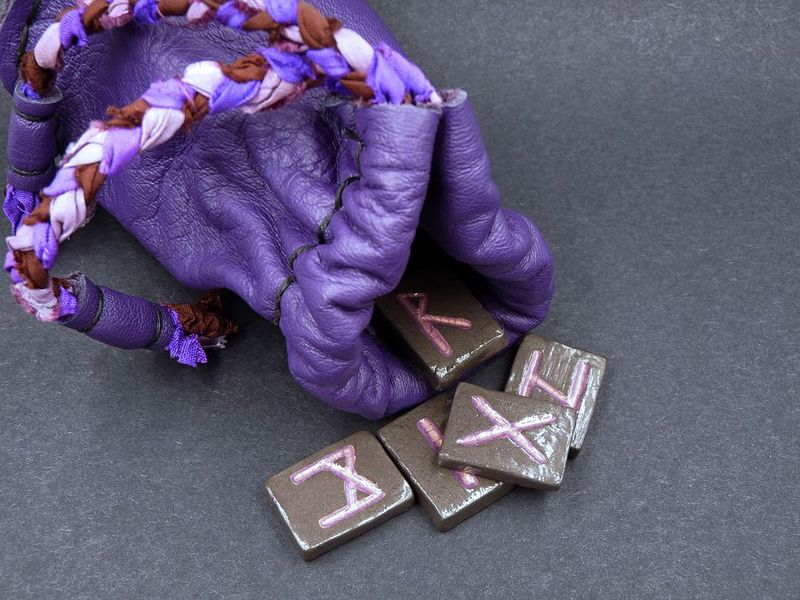 Purple Rune Stones, Elder Futhark with leather pouch - product image
