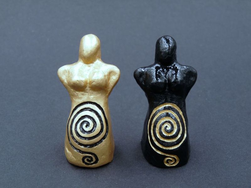 Spiral Goddess Statue Pair - product image