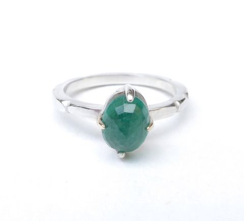 Oval,emerald,hand,sculpted,ring,emerald engagement rings, vintage inspired rings, antique emerald rings, bespoke engagement rings,