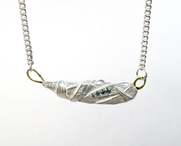Woven pendant with diamonds - product images  of