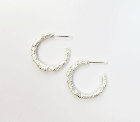 Woven,silver,earrings,woven jewellery, sculptural jewellery, beak jewellery, woven earrings