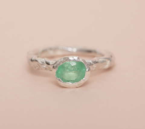 Woven,ring,in,organic,setting,woven ring, woven jewellery, beak jewellery, woven ring with emerald,