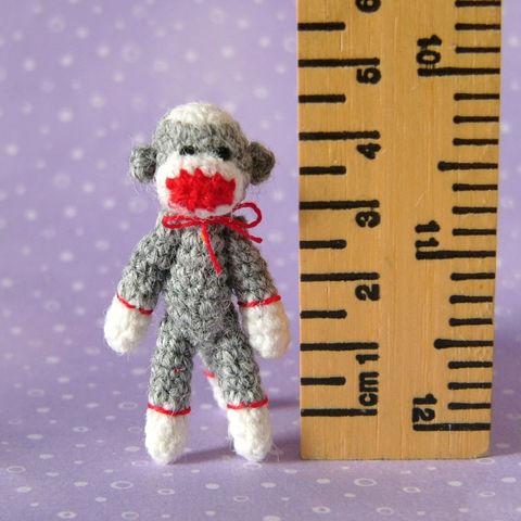 10 Free Sock Monkey Crochet Patterns | 480x480