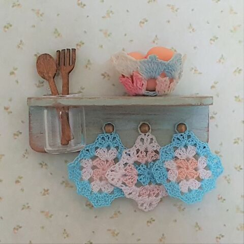 Country,Kitchen,Shelf,dollhouse_shelf, miniature, dollshouse, miniature_shabby_shelf, miniature_potholder, dollhouse_potholders