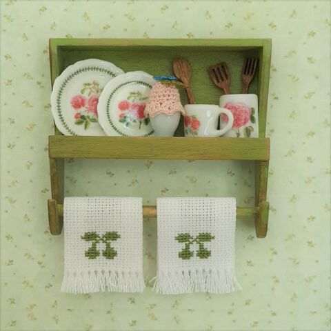 Green,Country,Kitchen,Shelf,dollhouse_shelf, miniature, dollshouse, miniature_shabby_shelf, miniature_potholder, dollhouse_potholders