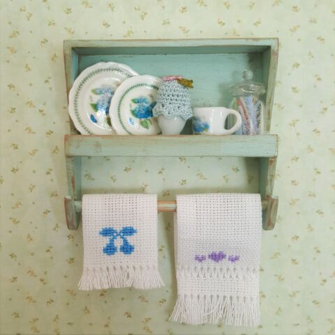 Blue,Country,Kitchen,Shelf,dollhouse_shelf, miniature, dollshouse, miniature_shabby_shelf, miniature_potholder, dollhouse_potholders
