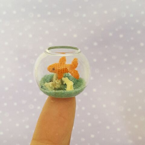 The,Goldfish,miniature_goldfish, miniature_fishbowl, crochet_fish, ooak_collectible, mariella_vitale, artist_miniatures, micro_crochet, micro_turtle, crochet_turtle