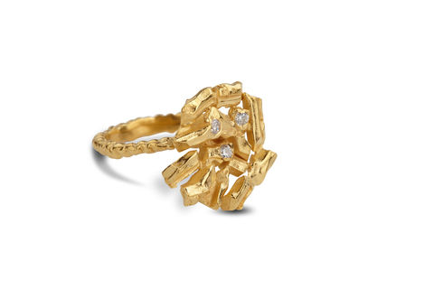Large,Golden,Carve,Ring,carve ring, yellow gold, handmade, diamonds, sapphires, ros millar